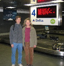 Wessel & Diane at Delta luggage carousel where they met a year earlier; CLICK ON PHOTO