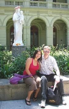 Calli Cenizal (left) and Chris Dippel in Universidad Católica courtyard