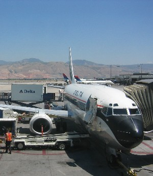 Delta plane gets supplies in Salt Lake City