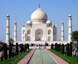 The Taj Mahal in Agra, India was built by Shah Jahan as memorial to wife Mumtaz Mahal. It is a UNESCO World Heritage Site (photo from Wikimedia Commons)