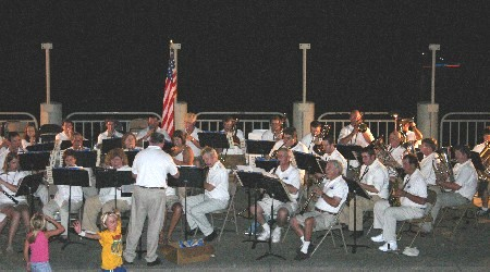 Community band plays along banks of Ohio River in Paducah, Ky., 2007