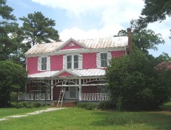 The secret pink house in Watha, NC