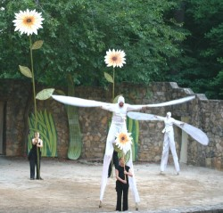 Stilt dancers in the 2008 show