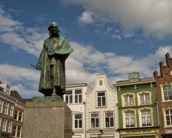Statue of Hieronymus Bosch in Den Bosch